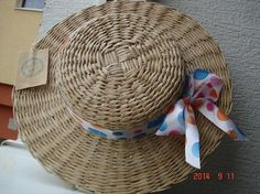 Newspaper Basket, Newspaper Crafts, Willow Weaving, Basket Weaving, Hat Making, Making Out, Diy Hat, Medieval Clothing, Summer Hats