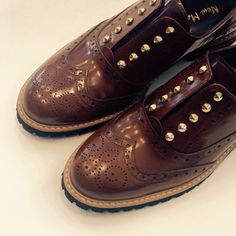 Vintage yet so stylish. Men Dress, Dress Shoes, Oxford Shoes, Lace Up, Stylish, Vintage, Collection, Women, Fashion
