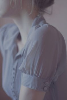 Trevillion Images - woman-wearing-pastel-blouse-close-up Mode Style, Style Me, Kate Marsh, Vintage Mode, Look Chic, Lily Evans, What To Wear, Vintage Fashion, Girly
