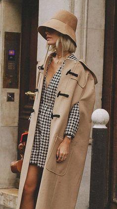 Looks Street Style, Looks Style, Oversize Coat, Paris Fashion, Winter Fashion, India Fashion, Japan Fashion, Street Fashion, 00s Mode