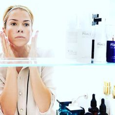 Our antidote to this drying weather is PHACE BIOACTIVE's Illuminating Serum. Loaded with 15% Vitamin C, Hyaluronic Acid, and Vitamins B5 + E, it deeply moisturizes your skin, improves texture, fades dark spots, and gives you 'the PHACE glow'. We apply it at night after cleansing. #thephacelife #ph #phbalance #clearskin #healthyskin #beauty #health #wellness #selflove #mindfulness #skin #skincare #vitaminc #hero #faceofphace