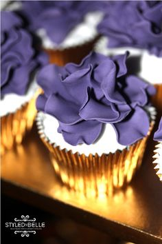 Love the gold and purple combo! 60th Birthday Party, Birthday Love, 1st Birthday Girls, 50th Wedding Anniversary, Anniversary Ideas, Trunk Party, Purple Cupcakes, Champagne Cupcakes, Purple Party