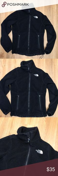 The North Face black fleece jacket size Xs In good preowned condition marked size Xs The North Face Jackets & Coats