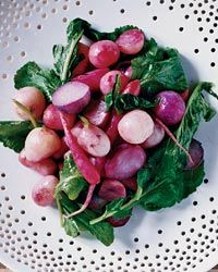 I-Burn, Phase 3 (Sub extra olive oil for butter) Roasted Radishes with Radish Greens - Yes, you can cook radishes! The delightfully bitter greens pair nicely with the warm, crisp-tender radishes, finished with olive oil and lemon. Radish Recipes, Vegetable Recipes, Vegetarian Recipes, Healthy Recipes, Healthy Food, Dessert Healthy, Lemon Recipes, Veggie Dishes, Healthy Salads