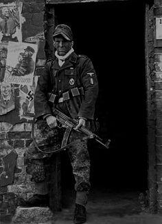 Soldier of the 33. Waffen-Grenadier-Division der SS Charlemagne (französische…