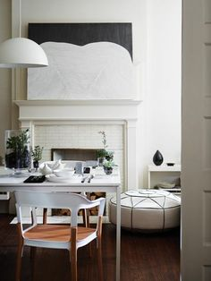 Dining room (Sacramento Street :: Living with Great Style + Interiors) Estilo Interior, Interior Decorating, Interior Design, Decorating Ideas, Holiday Decorating, Interior Ideas, Style Deco, Dining Room Design, Dining Rooms