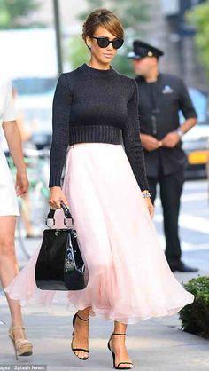 Jessica Alba. So Pretty!