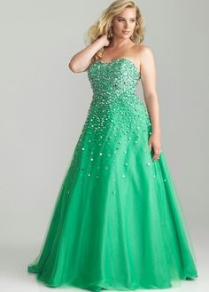 So pretty love the color #rissyroosprom