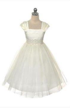 flowergirl, communion dress, christening dress, Lizzylove Northshore Auckland