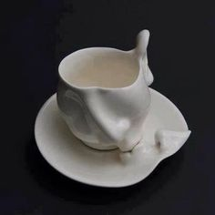 Living Clay: Artist Johnson Tsang Brings Ceramic Bowls and Cups to Life sculpture ceramics anthropomorphic Sculptures Céramiques, Art Sculpture, Ceramic Sculptures, Plaster Sculpture, Ceramic Pottery, Ceramic Art, Ceramic Design, Johnson Tsang, Coffee Cups