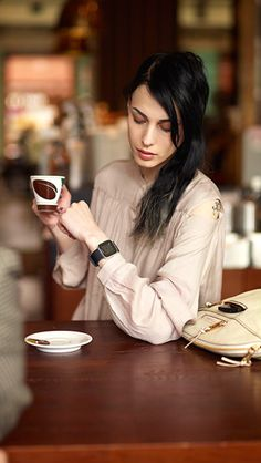 Using #Sony Smartwatch in a Cafeteria