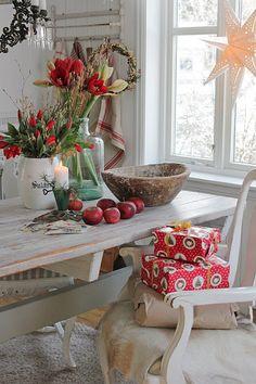 You can& use up CREATIVITY. Swedish Christmas, Woodland Christmas, Christmas Room, Cozy Christmas, Scandinavian Christmas, Country Christmas, White Christmas, Scandinavian Cottage, Scandinavian Style