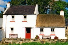 Self catering holiday cottages in Donegal, Ireland. A wide selection of holiday home providers throughout county Donegal Country Cottages, Cottages By The Sea, Irish Cottage, Cottage Farmhouse, Cob Building, Ireland Holiday, Images Of Ireland, Self Catering Cottages, Thatched Roof