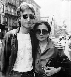 John Lennon and Yoko Ono John Lennon Yoko Ono, John Lennon Beatles, The Beatles, George Beatles, Famous Duos, Bernadette Peters, Julie Christie, First Daughter, Jack Nicholson