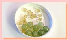21 perles 12 mm et 6 mm en plastique couleur vert clair et vert anis : Perles en Plastique par chely-s-creation