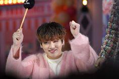 Skool Luv Affair, She Loves You, Googie, Record Producer, Beautiful Moments, South Korean Boy Band, Bts Jungkook, Korean Singer, Boy Bands