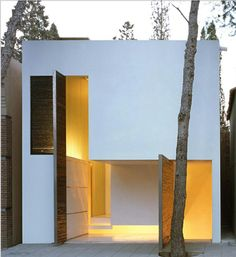 Love this simple white house. #architecture