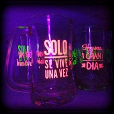 frascos vasos tragos frases tazas chops personalizados fluo 70s Party, Neon Party, Disco Party, Banana Crafts, Barbie Birthday Party, Neon Design, Ideas Para Fiestas, Team Bride, Slumber Parties
