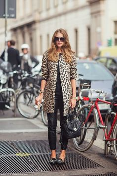 All black + Leopard print coat #streetstyle