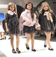 Tete y Martina en The Petite Fashion Week #thepetitefashionweek #charhadas #modainfatil #fashionshow