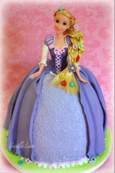 Rupunzel (Tangled - Disney) doll cake