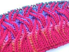http://www.knitaholics.net/ rainbow scarf