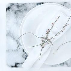 Bordstablett med marmormotiv 49:- My Design, House Design, Plates, Tableware, Instagram Posts, Licence Plates, Dishes, Dinnerware, Griddles