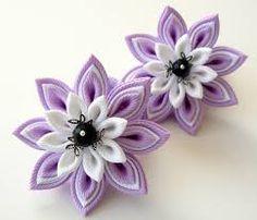 Resultado de imagen para como hacer flores de tela kanzashi paso a paso
