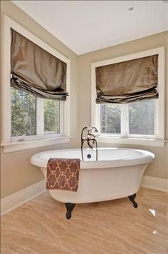 Look at this tub! Carrie Underwood and Mike Fisher have listed their 11-acre, five-bedroom, five-bathroom Canadian estate. For more information and photos, visit the website of real estate agent Paul Rushforth. Visit GACTV.com for the full gallery.