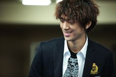 Shut Up Flower Boy Band (2012) : Sung Joon as Kwon Ji Hyuk (Leader, Vocals, Guitarist)