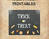 Are you going to give kids candies this Halloween? Well Here's a sign that you can hang on your door. It's simple to assemble, buy the file, print at your home printer and hang on your door. As soon as you pay you receive the file so you have time to print it before kids knock on your door!! PLUS GET 30% USING COUPON HOLIDAYS30OFF #HALLOWEEN2016 #TRICKORTREAT