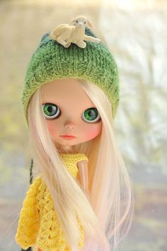 This beautiful Blythe is so angelic, I wish she was mine . ༻✿༺ ❤️ ༻✿༺