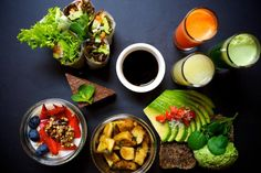 Simple Raw // Cute little Raw food cafe with delicious food. Try their brunch or lentil burger. GKS