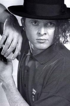 Early Micky Pictures Of You, Pretty Pictures, Mick Hucknall, Simply Red, Him Band, Pop Bands, Man United, Red S, How To Feel Beautiful