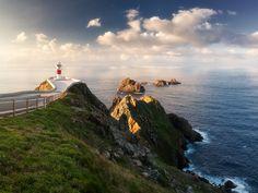 Чудесный маяк настыке атлантики ибискайского залива, Галисия, Испания