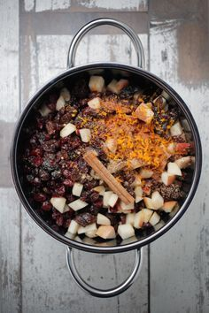 THE PERFECT FRUIT MINCE FOR THE PERFECT PIE http://www.thehealthychef.com/2012/12/fruit-mince/