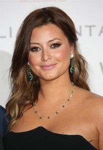 Holly Valance Hairstyle, Makeup, Dresses, Shoes and Perfume - http://www.celebhairdo.com/holly-valance-hairstyle-makeup-dresses-shoes-and-perfume/