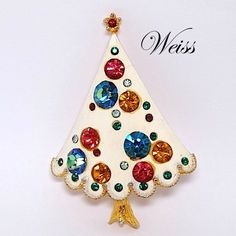 Signed Weiss White Enamel Rhinestone Christmas Tree Brooch – Book Piece Jeweled Christmas Trees, Xmas Tree, Christmas Trimmings, Vintage Costume Jewelry, Vintage Jewellery, Jewelry Tree, Christmas Jewelry, Vintage Holiday, Merry And Bright