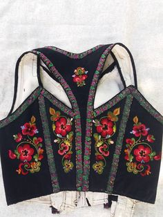 Folk Costume, Costumes, Costume Ethnique, Scandinavian Embroidery, Rockabilly, Rock And Roll, Grunge, Indie, Fantasy Dress