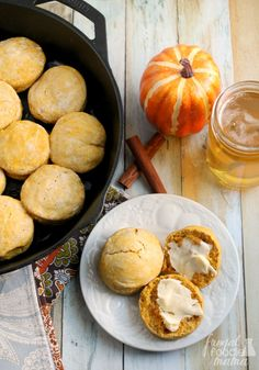 You just need 4 ingredients & 30 minutes to make these soft and fluffy Easy Pumpkin Cream Biscuits. Serve savory with your favorite soup or chili, or drizzle with honey for a sweet treat. #betterbiscuits