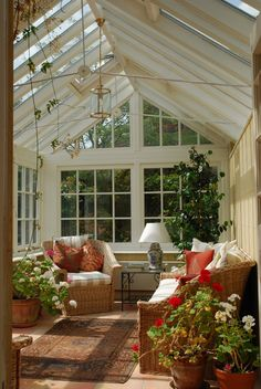 Browse pictures of sunroom designs and also decor. Discover ideas for your 4 periods area addition, consisting of motivation for sunroom decorating and formats. Sunroom Furniture, Wicker Furniture, Conservatory Furniture, Conservatory Interiors, Conservatory Ideas Sunroom, Solarium Room, Furniture Design, Living Furniture, Modern Furniture