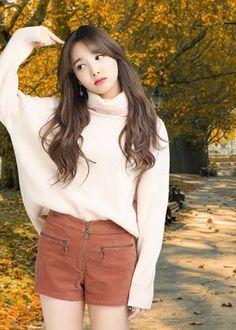 South Korean Girls, Korean Girl Groups, Asian Woman, Asian Girl, Cute Girls, Cool Girl, Nayeon Twice, Im Nayeon, Beauty Full Girl
