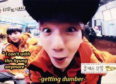 lololol Kai doesn't know him XD EXO showtime Baekyeol, Chanbaek, Baekhyun, Exo Kai, Exo Showtime, Xiuchen, Kim Minseok, Exo Memes, Super Junior