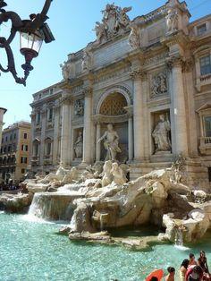 Fontana di Trevi, Roma, Itália, maior fonte barroca de roma, talvez a mais famosa do mundo. 1735-