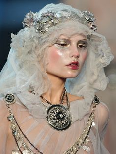 Magdalena Frackowiak on the runway for John Galliano, Fall 2009 #makeup