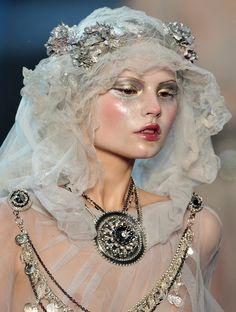 Magdalena Frackowiak on the runway for John Galliano, Fall 2009 #makeup