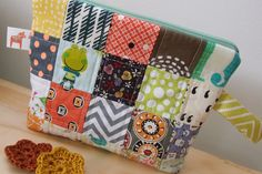 Patchwork pouch... love of colors!   www.vjahodovce.blogpost.com
