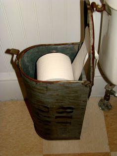 Breathtaking DIY Vintage Decor Ideas Repurposed mailbox for toilet paper storage. Breathtaking DIY Vintage Decor IdeasRepurposed mailbox for toilet paper storage. Old Mailbox, Vintage Mailbox, Antique Mailbox, Mailbox Ideas, Metal Mailbox, Layout Design, Diy Vintage, Vintage Trends, Vintage Linen