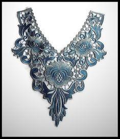 Faux col applique dentelle brodée fleurs camaïeu de bleu - mercerie - couture - tricot - embellissement - customisation.- cérémonie - mariage.