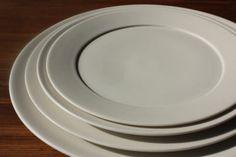 大谷哲也 洋皿■QupuQupu■ Clay Plates, Japanese Pottery, Porcelain, Ceramics, Glasses, Wood, Table, Japanese Ceramics, Ceramica
